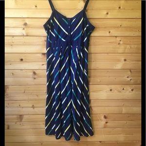 •Cooperative• from U/O beautiful button-down dress